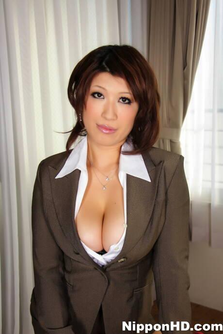Asian Mature Tits Pics