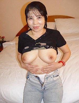 Hot Asian Mom Pics